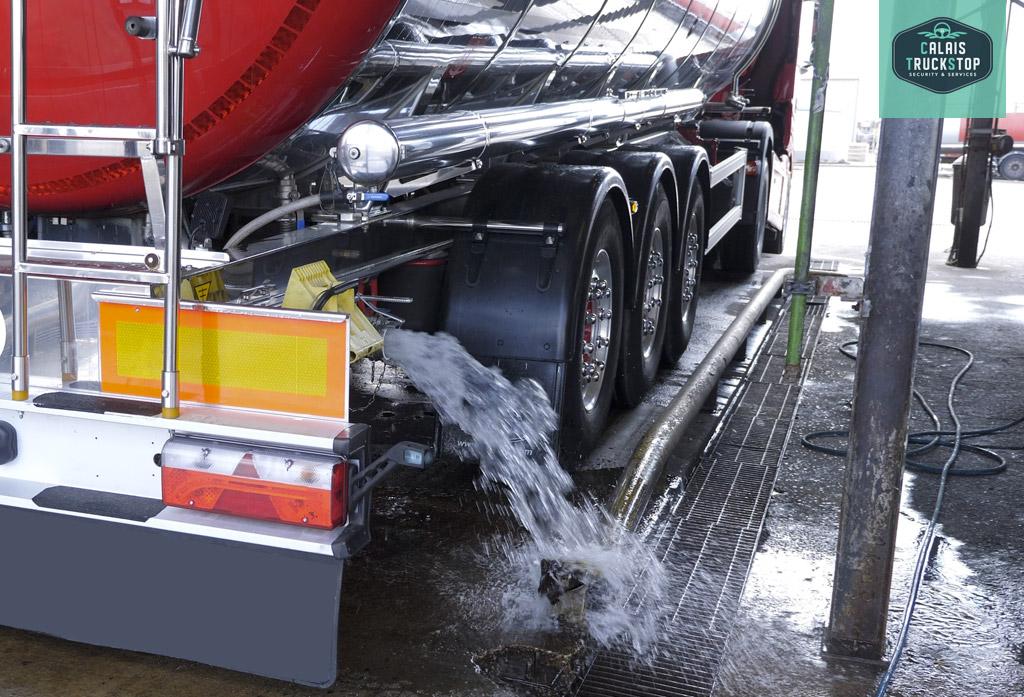 Calais Truckstop: lavage pro pour citernes alimentaires!